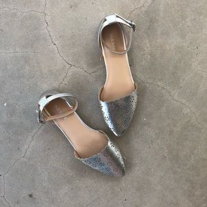 OLD NAVY | women's silver pointed toe shoe